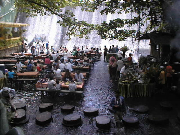 Waterfalls Restaurant Villa Escudero San Pablo City 6