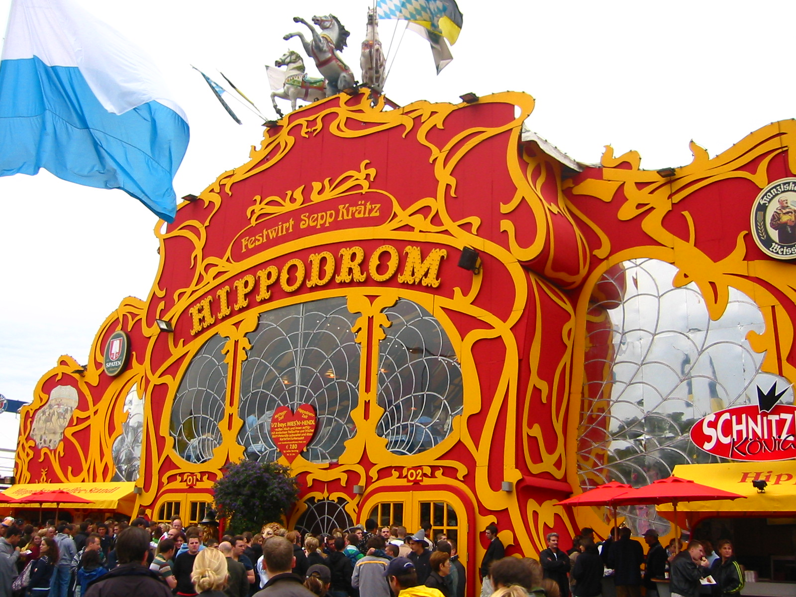 Visiting the Hippodrom for Oktoberfest