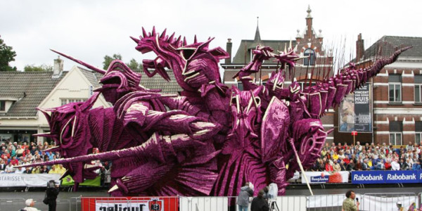 Attend Bloemencorso Zundert: The World's Largest Volunteer Flower Parade