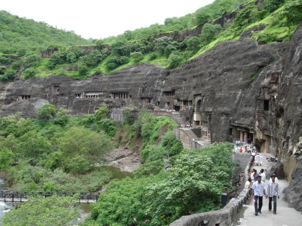 Aurangabad_-_Ajanta_Caves_(21)