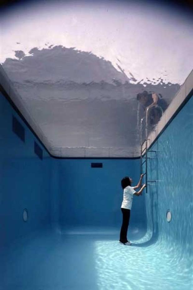 the-swimming-pool-leandro-erlich-kanazawa-3