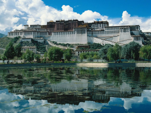 Potala-Palace-Feature