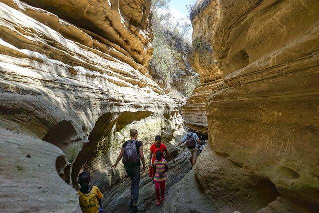 hike hells gate gorge kenya